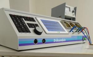 TRIKOMBIN Frequenzgerät in der Naturheilpraxis Baklayan in München
